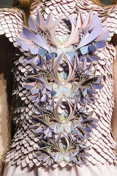 OR - Manish Arora dress - crafted leather textures, intricate layered construction - design & fabric manipulation 3d Fashion, Look Fashion, Fashion Details, Fashion Trends, Fashion Inspiration, Tudor Fashion, Crazy Fashion, Paper Fashion, Origami Fashion