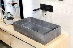 Minimalisticky zařízené koupelny v pánském stylu se stávají trendem moderního bydlení. Jejich chladný betonový vzhled je často zasazen do kontrastu s prvky v industriálním stylu, z kovu či skla. Stylus, Sink, Bathroom, Inspiration, Home Decor, Sink Tops, Washroom, Biblical Inspiration, Vessel Sink