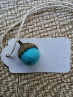 A Spoonful of Crafts: Filtkugle agern / Felt Ball Acorns