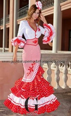 "A very stylish Flamenco feria dress. The embroidery and ""fajin"" corset belt really complete the look Flamenco Costume, Flamenco Dancers, Flamenco Dresses, Lace Dress Styles, Nice Dresses, Floral Maxi Dress, Dress Skirt, Spanish Dress, Mexican Dresses"