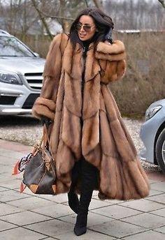 Fox Fur Coat, Fur Coats, Winter Fashion 2015, Winter Outfits, Cool Outfits, Sable Coat, Coats For Women, Clothes For Women, Fabulous Furs