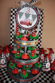 Cars cupcakes.. Perfect for JC