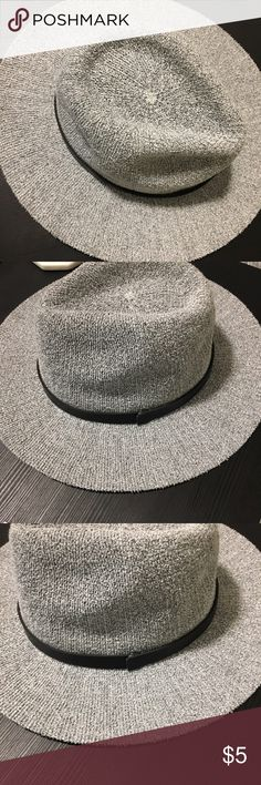 F21 Hat Super cute F21 hat. In great condition, never worn out. Forever 21 Accessories Hats
