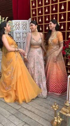 Party Wear Indian Dresses, Desi Wedding Dresses, Indian Gowns Dresses, Indian Bridal Outfits, Indian Bridal Fashion, Indian Fashion Dresses, Indian Bridal Wear, Dress Indian Style, Indian Designer Outfits