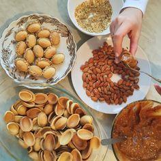 Russian Desserts, Russian Recipes, Baking Recipes, Dessert Recipes, Walnut Cookies, Cranberry Cookies, Brunch Party, Dessert Decoration, Bakery