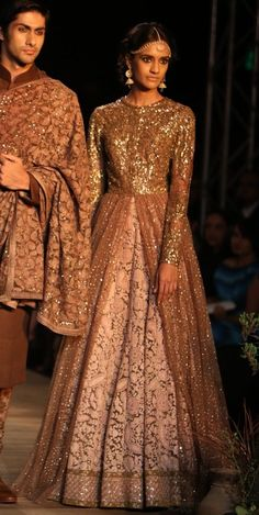 Our 5 Favourite bridal Looks from Delhi Couture Week Indian Bridal Wear, Asian Bridal, Indian Wear, Indian Dresses, Indian Outfits, Sangeet Outfit, Dress Vestidos, Maxi Dresses, Indian Couture