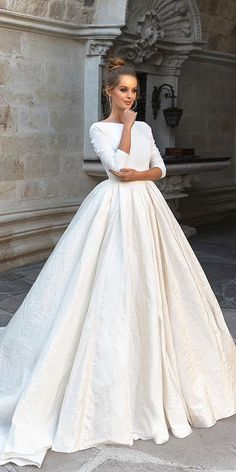 24 Top Wedding Dresses For Bride ❤ top wedding dresses ball gown with long sleeves simple romantic eva lendel ❤ Full gallery: https://weddingdressesguide.com/top-wedding-dresses/ #bride #wedding #bridalgown
