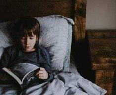 Copilul nu citește. Cum să faci copilul să citească? - Servus Expert Improve Vocabulary, Parts Of A Book, Reading Help, Free Reading, Live In The Present, Word Of Advice, Adhd Kids, Ways To Relax, Weighted Blanket