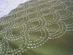 Sashiko wave pattern ~ http://usual-item.cocolog-nifty.com/blog/2010/12/5-52c1.html