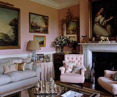 House & Garden April 2010 drawing room Sala Vintage, Pastel Interior, English Decor, Pretty Room, Cottage Interiors, Pink Walls, Elegant Homes, New Wall, Beautiful Interiors