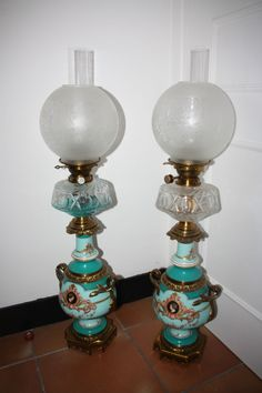 magnifique paire de lampe à petrole époque Napoleon III en bronze doré