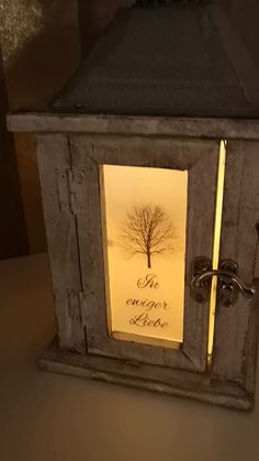 Gestalte deine Fotolaterne Let your memories shine forever - with a photo lantern from illuminated g Glue Gun Crafts, Christmas Paper, Room Decor Bedroom, Land Scape, Most Beautiful Pictures, Lanterns, Diy And Crafts, Instagram, Home Decor