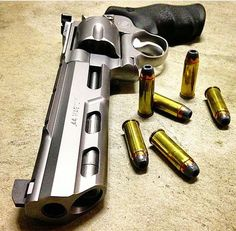 Smith and Wesson, revolver 629, 44mag, guns, weapons, self defense, protection, 2nd amendment, America, firearms, munitions #guns #weapons: