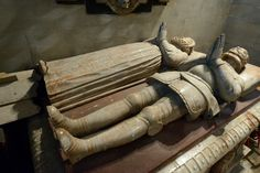 Leonard's Church-Charlecote-Warwickshire-Lucy Chapel on N side of Chancel-Tomb of Sir Thomas Lucy I and wife Joyce Photoshop Me, Effigy, Memento Mori, 17th Century, Cemetery, My Images, Medieval, Death, Carving