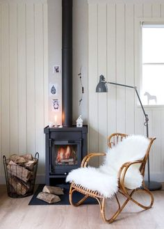 Cabins and Cottages: my scandinavian home: Could you spend your summer . Style At Home, Living Spaces, Living Room, Log Cabin Homes, Cabins And Cottages, Scandinavian Home, Home And Deco, Home And Living, Home Fashion