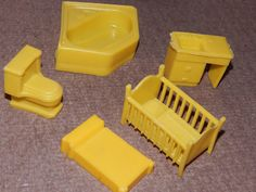 VINTAGE, SUPERIOR PLASTICS, YELLOW DOLL HOUSE MIX LOT FURNITURE 5 PIECES | eBay