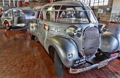 """The 1934 McQuay Norris Streamliner. Isn't it amazing that some of these old cars still look """"futuristic""""? Weird Cars, Cool Cars, Crazy Cars, Vintage Trailers, Vintage Cars, Pt Cruiser, Engin, Futuristic Cars, Camping Car"""