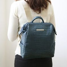 Mini Crocodile Pattern Leather Backpack v1