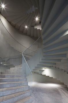 aires mateus designs architecture faculty in tournai, belgium Colour Architecture, Concrete Architecture, Architecture Details, Interior Architecture, Interior Design, Curved Staircase, Grand Staircase, Staircase Design, Stair Well