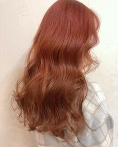 "mima♡ 미나미 on Instagram: ""caramel orange 🦊 ブリーチ1回でした♥️👌 ベースによってブリーチ回数は変わってきます^ - ^ 黒染めやトーンダウンは出来るだけしないことをお勧めします! #mima #mima_bloc #tokyo #hairstyle #헤어스타일 #헤어컬러…"" Yellow Hair, Purple Hair, Hair Color Balayage, Ombre Hair, Red Hair Inspo, Hair Dye Colors, Aesthetic Hair, Cut My Hair, Grunge Hair"
