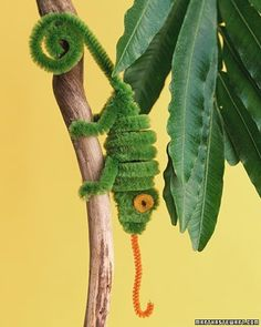 diy: pipe cleaner creations... kidscrafts My dad had a chameleon when I was a kid. How cool. -Erin