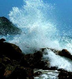Rompe olas, Bahía de Cata. Costas de Aragua. Venezuela