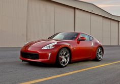 Nissan officially released the new 2013 Nissan Facelift with more sporty and dynamic look from Nismo. Nismo is car tuning division from Nissan Motor Company Nissan 350z, Nissan 370z For Sale, Red Sports Car, Cool Sports Cars, Sport Cars, Mazda Mx 5, Ford Fiesta St, Toyota Gt86, Toyota Supra