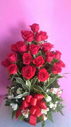 Flower Bouqet, Rose Flower Arrangements, Red Rose Bouquet, Beautiful Bouquet Of Flowers, Beautiful Flowers Wallpapers, Romantic Flowers, Beautiful Roses, Happy Birthday Wishes Cards, Happy Birthday Flower