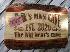 #graveren #naambord #hout #rustiek #duurzaam #mancave S Man, Bbq Grill, Chilling, Man Cave, Bar Grill, Barbecue, Man Caves