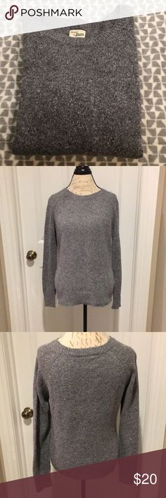 GH Bass sweater Gray heather knitted sweater from Bass. Size L. Long sleeves. Like new. Bass Sweaters Crew & Scoop Necks