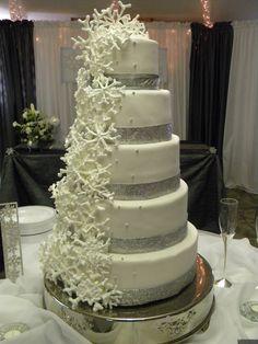 winter wedding cakes | Mary Olive Sweets: Winter Wonderland Wedding Cake