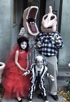 The Beetlejuice Family   18 Families That Prove The Family That Cosplays Together, Stays Together