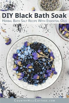 How to make calming DIY blue lavender bath salts for relaxation and stress relief. Made with natural organic ingredients like black salt, Himalayan salt, coconut oil and essential oil scented. Bath Recipes, No Salt Recipes, Soap Recipes, Lavender Bath Salts, Diy Blue Bath Salts, Lush Bath, Diy Cosmetic, Bath Salts Recipe, Essential Oil Scents