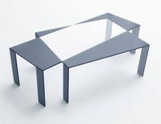 Mesa de cristal diseñada por Nendo en colaboración con Glas Italia.