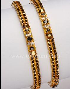 Totaram Jewelers: Buy 22 karat Gold jewelry & Diamond jewellery from India: Gold Black beads Bangles - 1 pair Gold Bangles For Women, Gold Bangles Design, Gold Earrings Designs, Gold Jewellery Design, Designer Bangles, Gold Bracelets, Bridal Jewellery, Diamond Jewellery, Gold Jewelry Simple
