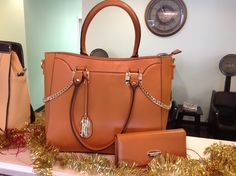 Brangio Italian handbag with matching wallet.  | Pretty Woman Salon & Boutique | (618) 998-9139 |