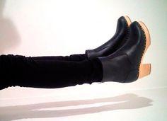 Cómo llevar los botines para estilizar las piernas y no restarnos esbeltez. #zapatos #botines #trucosdeestilismo