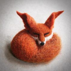Needle felted fox brooch - only 6cm with ears #fox #redfox #sleeping #needlefelting #felting #textile #textileart #brooch #jewelry #wearableart #cambridge #cambridgemade #cambridgeuk #cambridgeart #ukartist #uk #etsy #etsyshop #etsyseller #handmade #unique #sleepingfox #cute #art #design #wildlife #animals #wild #nature #gift