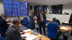 A lei é de autoria de sua própria base governista, por meio dos vereadores Agnelo Matos (PT) e vice-presidente da Câmara Julinho Lopes (PP)