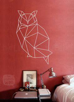 Notre exclusif géométrique sticker mural de hibou est sûr de devenir un classique à décor géométrique à la maison. Mêlant les dernières tendances pour la conception géométrique avec des animaux de la forêt le résultat est frais et moderne mais aussi classique. Parfait pour votre salon,