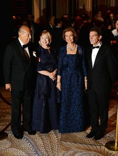 Oscar de la Renta, Hillary Rodham Clinton, Her Majesty Queen Sofia of Spain and Antonio Banderas attend the Queen Sofia Spanish Institute 2013 Gold Medal Gala at The Waldorf-Astoria on November 19, 2013 in New York City.