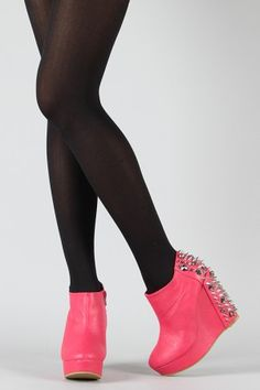 WOW! Wear this with all black and then POW bright pink shoes!