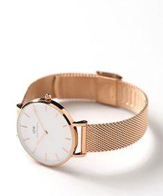 【ZOZOTOWN|送料無料】FREAK'S STORE(フリークスストア)の腕時計「Daniel Wellington/ダニエルウェリントン CLASSIC PETITE」(38626501430)を購入できます。