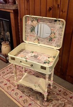 Just in case, a suitcase vanity to DIY...