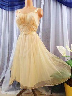 M.Vtg.Vanity Fair 2 layer peach chiffon vintage nightgowns f6a76b84a