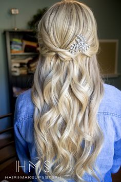 Wedding hair (Bridesmaid Hair Half Up) Wedding Hair And Makeup, Bridal Hair, Hair Makeup, Fancy Hairstyles, Bride Hairstyles, Bridesmaid Hairstyles, Homecoming Hairstyles, Great Hair, Hair Dos