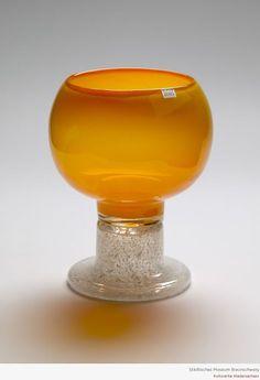 Kaj Franck Ceramic Design, Glass Design, Design Art, Art Of Glass, Glass Molds, Vintage Kitchenware, Carnival Glass, Mid Century Design, Scandinavian Design