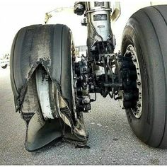 Aircraft Maintenance, Landing Gear, Concorde, Cool Pictures, Engineering, March, Technology, Helicopters, Tango
