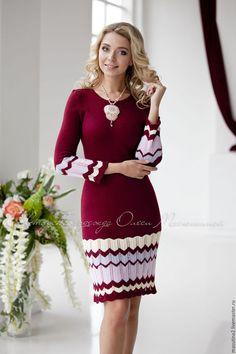 Купить или заказать Платье 'Сицилийское вино' в интернет-магазине на Ярмарке Мастеров. Элегантное вязаное платьице с полосками в стиле миссони в модном винном цвете! Перед добавлением в корзину просьба ознакомиться с правлами магазина!!! Crochet Clothes For Women, Tall Girl Fashion, Plus Size Fashionista, Everyday Dresses, Handmade Clothes, Knitting Patterns Free, Women's Fashion Dresses, Dress Patterns, Knit Dress