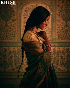 Indian Bridal Fashion, Indian Wedding Outfits, Indian Outfits, Indian Photoshoot, Saree Photoshoot, Girl Photography Poses, Fashion Photography, Indian Photography, Indian Aesthetic